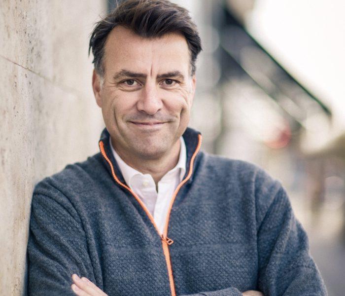 Mikael Kamber: Derfor skal vi smile mere til hinanden